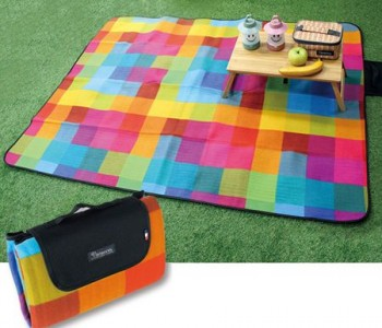 pixel-happy-outdooor-blanket
