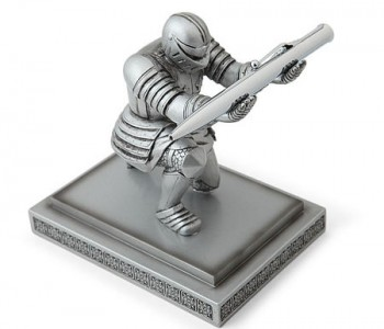 executive-knight-pen-holder