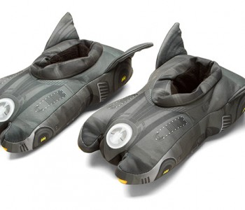 batmobile-3d-slippers