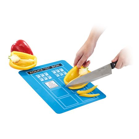 dw-tardis-chopping-board
