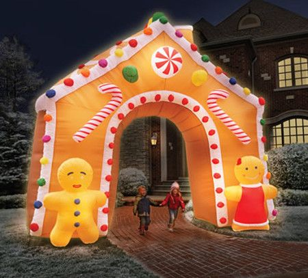 illuminated-gingerbread-house