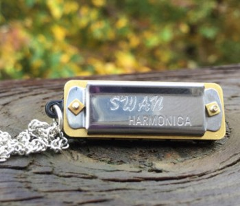 mini-harmonica-necklace