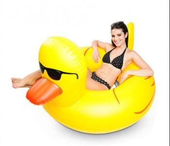 giant-rubber-duckie-float